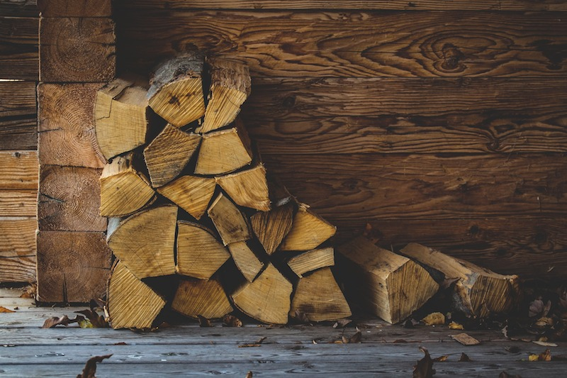 Wet vs. Seasoned Firewood, What's the Difference?